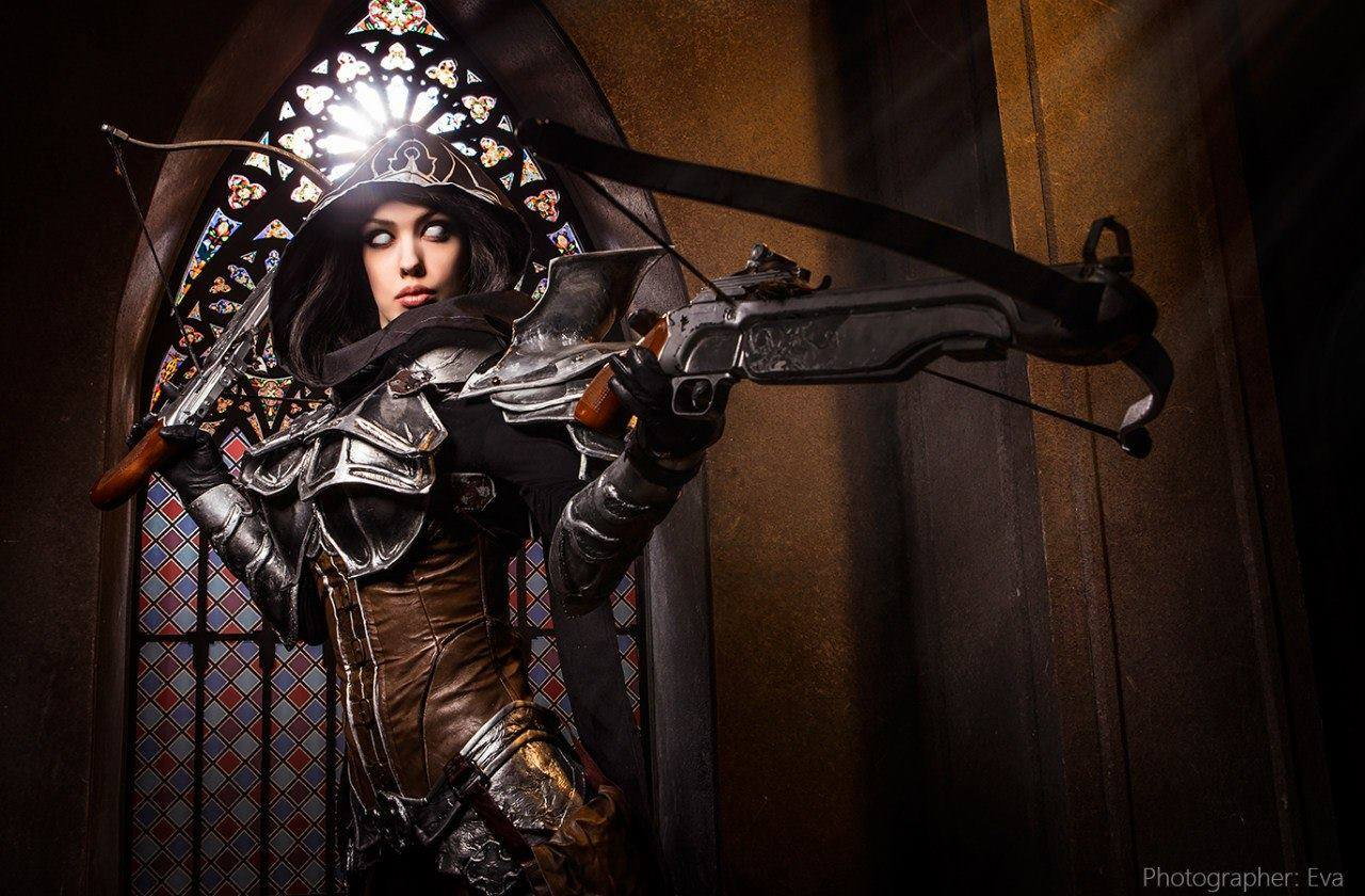 Diablo III Demon Hunter Cosplay