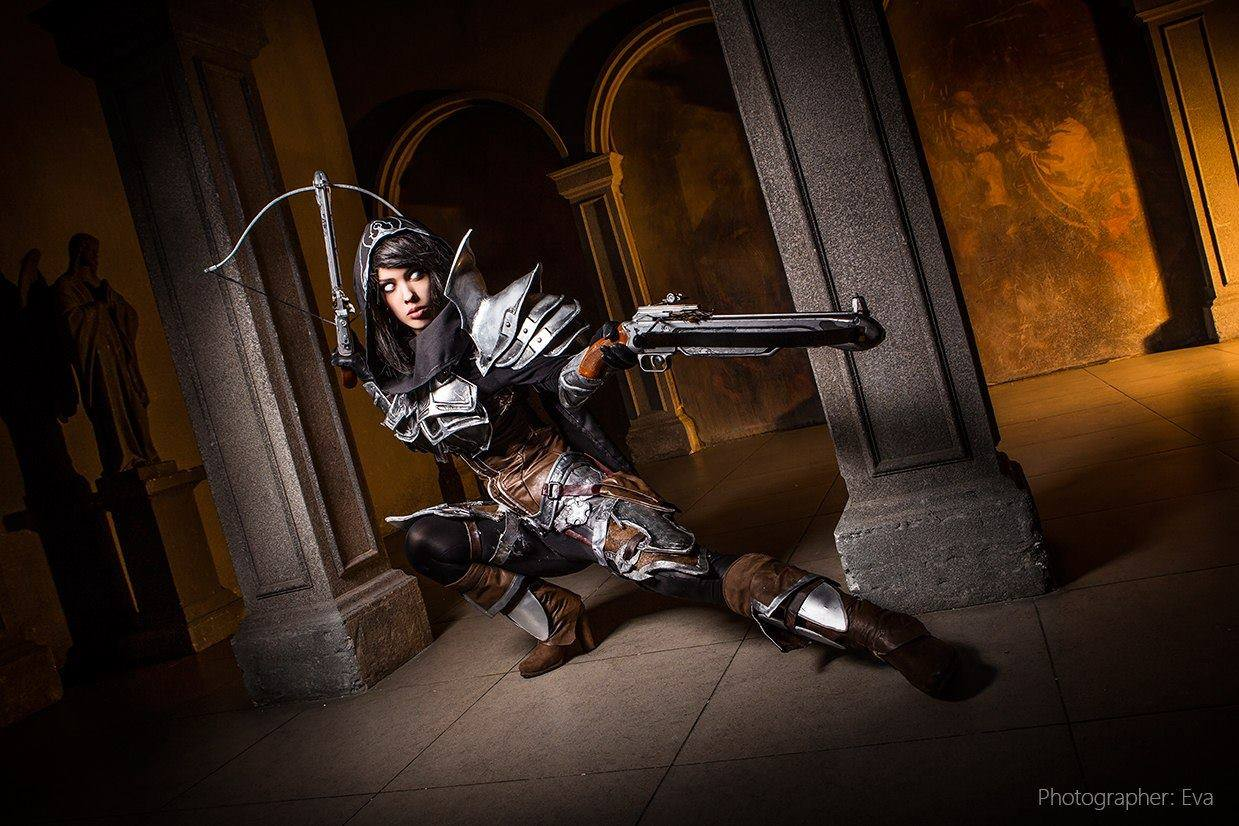 Demon Hunter Cosplay3
